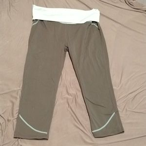 Gray fold over workout capris fabletics size med